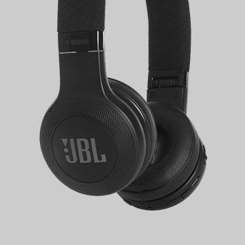 JBL E45BT Schwarz