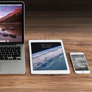 Notebook, Tablet und Smartphone sind unverzichtbarer Bestandteil des modernen Arbeitsplatzes