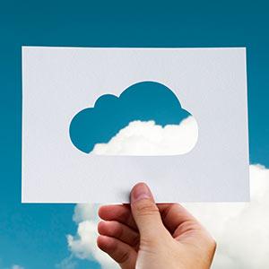 Dank Cloud-Lösungen können Mitarbeiter von jedem Ort alle nötigen Informationen abrufen