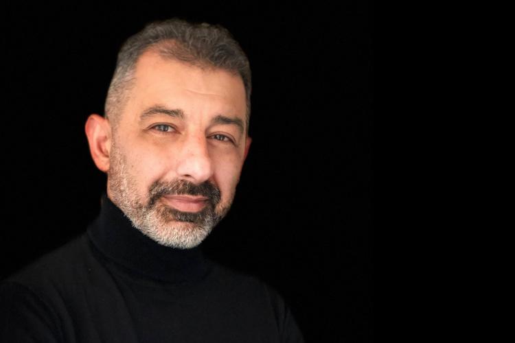 Büroräume effizient nutzen - Interview mit Peyman Blumstengel